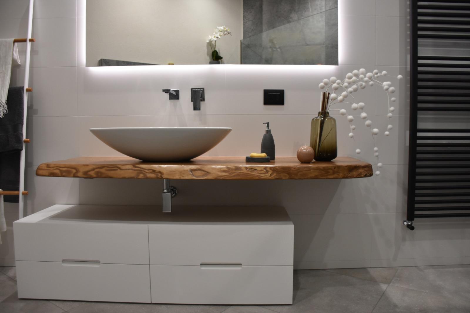 bagno-lavabo-legno-1618126779.JPG